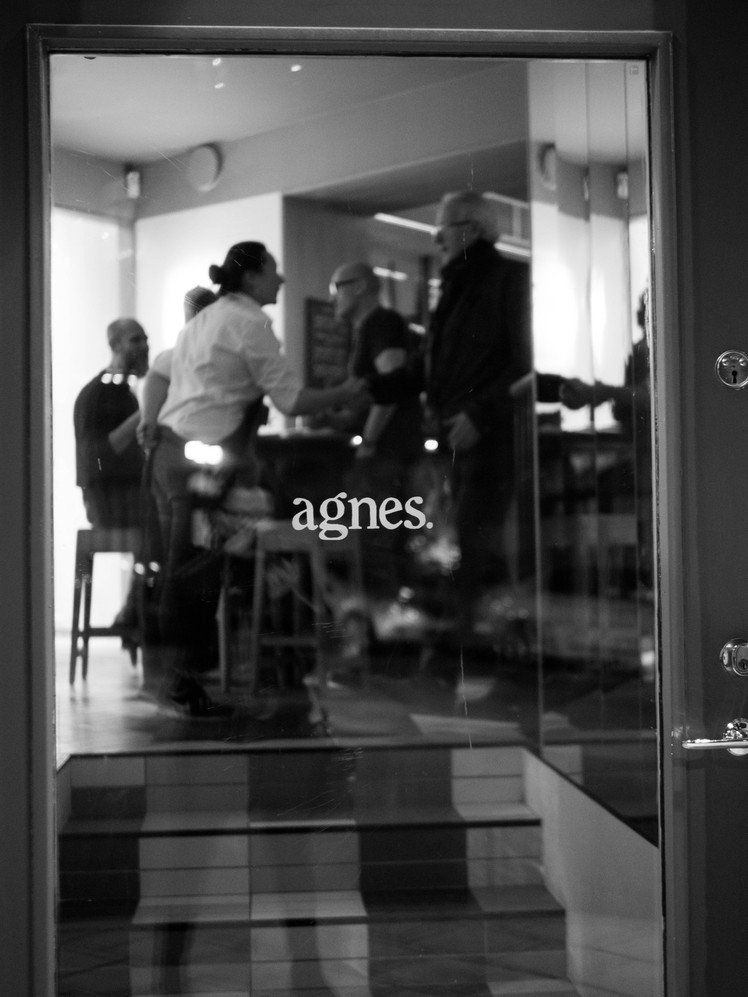Agnes door ext bw 748 xxx q85